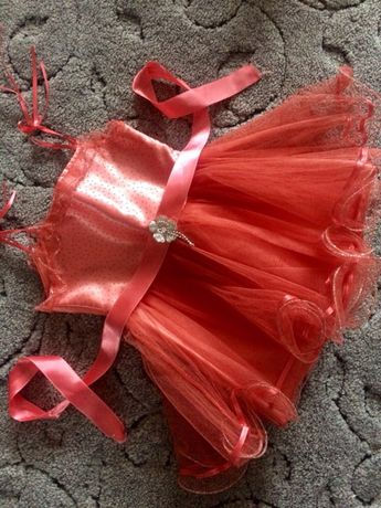 Платье нарядное праздничное платье на 2 года