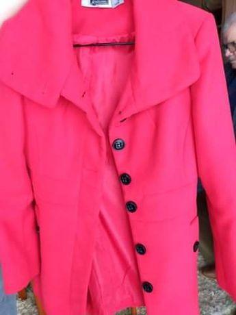 Sprzedam płaszcz czerwony