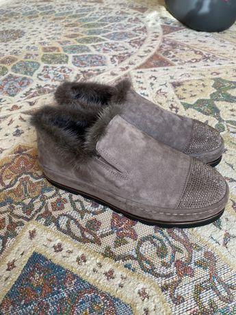 Зимние слипоны/ботинки с мехом estro