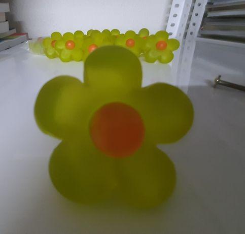 14 puxadores de resina com flores verdes e laranja + 2 puxadores verde