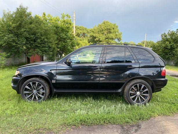 BMW X5 (Механика 3.0 газ/бенз) на дорогих 20 колёсах