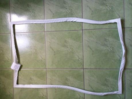резина уплотнительная для холодильника, 56 на 95,5 см