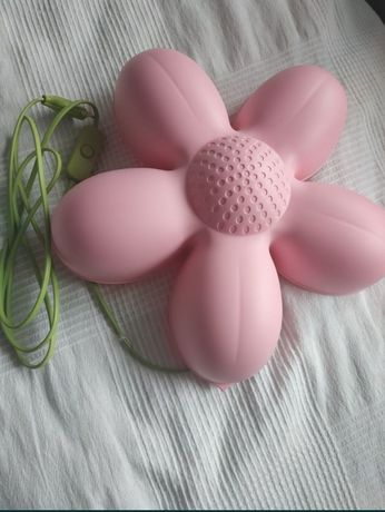 Kwiat lampka na sciane
