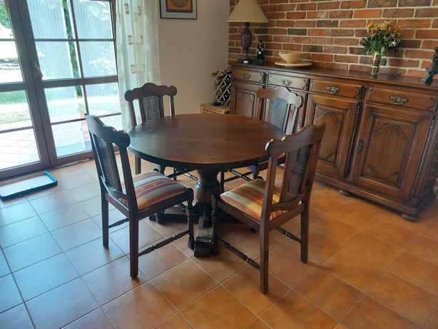 Stół drewniany okrągły + cztery krzesła