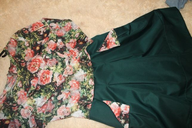 Красивое нарядное платье в цветочный принт 44-46