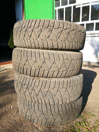 Комплект зимней резины Dunlop ice touch R16 215/65 98t