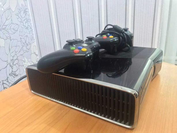 XBOX 360 Slim 250GB + Freeboot + 2 Геймпада, HDMI, блок питания
