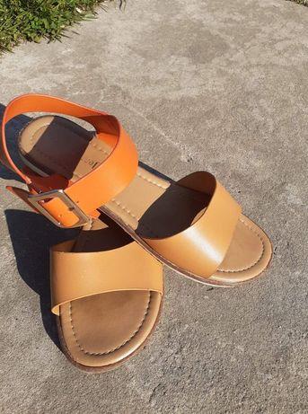 Damskie sandały r. 41