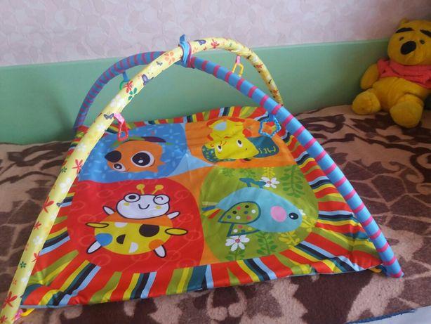 На подарок-практически нов.Развивающий коврик д/малышей .Цена 100рн.