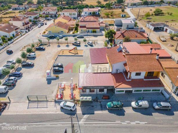 Venda de edifício Habitação / restauração e comércio | Setúbal / Palme