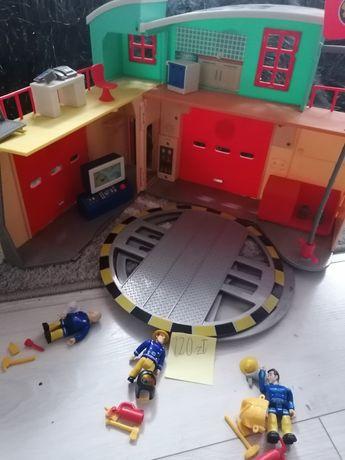 Baza strażaka sama