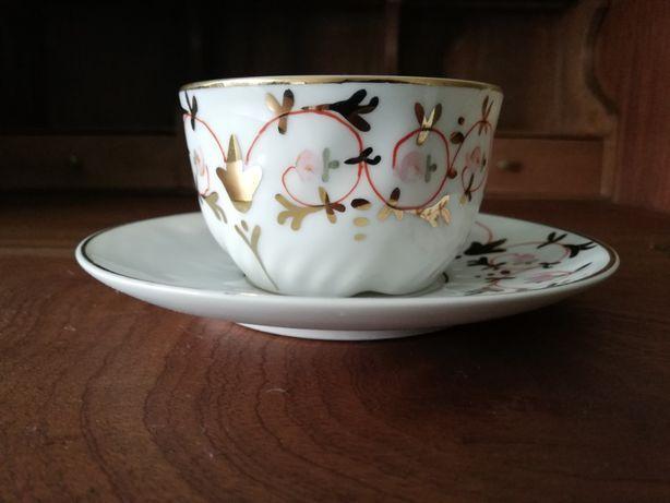Chávena pintada à mão Vista Alegre Marca 1922 a 1947