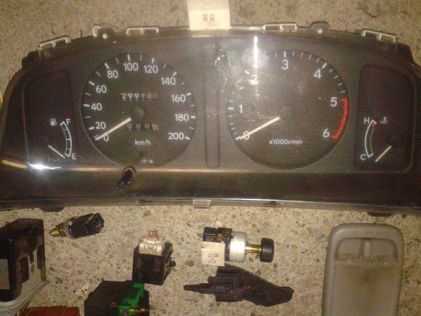 toyota corolla e11 stacyjka 45020-1 lift zegary licznik 1.9d dw8 1wz