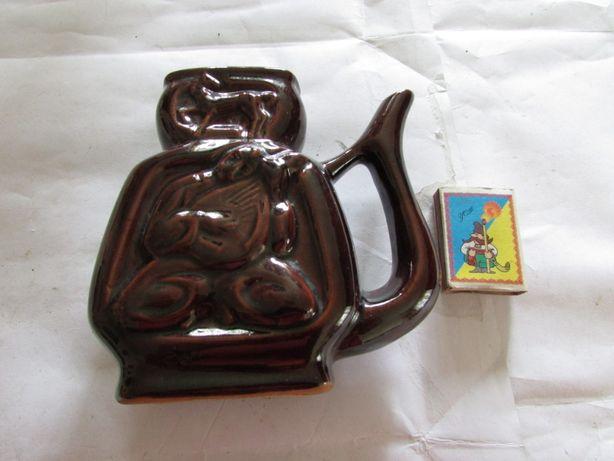 Бюветниця (горнятко з носиком для мінеральноі води) з СРСР.