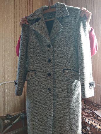 Продам осіннє пальто