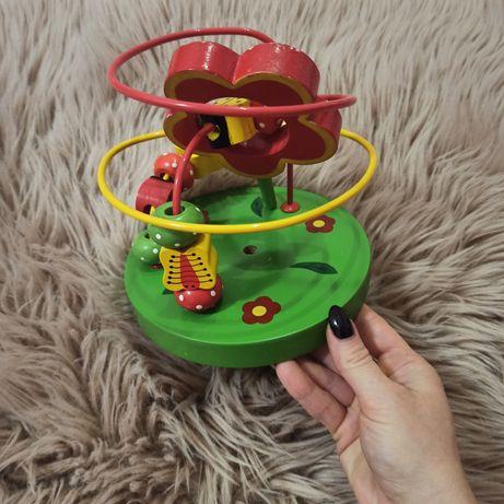 Manualna drewniana zabawka