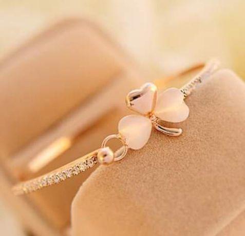 Bransoletka koniczynka kółko cyrkonie kolor złoto