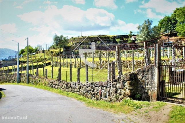 Quinta com 25623m2 - Guilhadeses - Arcos de Valdevez