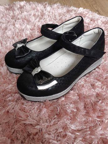 Туфельки для дівчинки  32 розмір