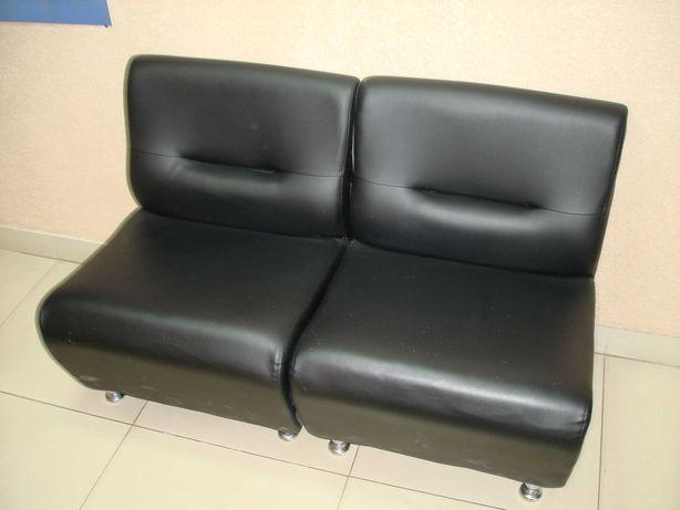 Офісні шкіряні крісла (2 шт.) - в наявності 4 шт.