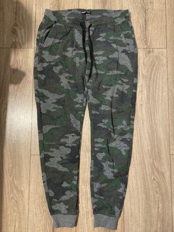 Spodnie dresowe cropp r M