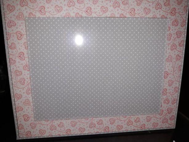 Moldura (fotos grandes) em cartonagem forrada a tecido, nova (unidade)