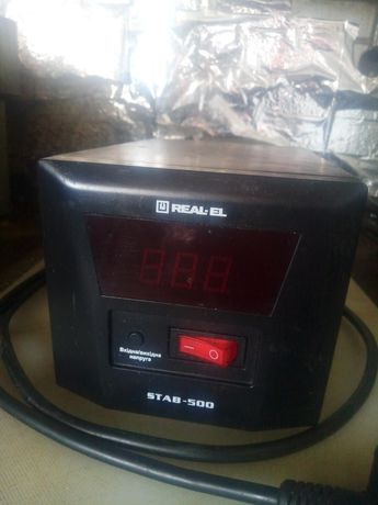 Стабилизатор напряжения Real el Stab 500