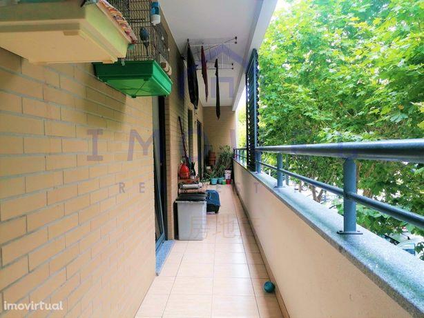 Apartamento T3 c/ garagem