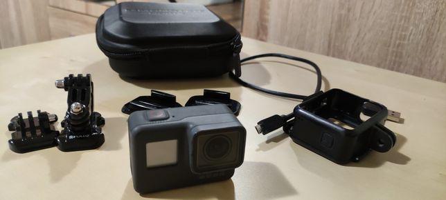 Gopro kamera sportowa 4K hero 5 black ładowarka i dodatkowe baterie