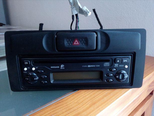 Consola Rádio Nissan Terrano II