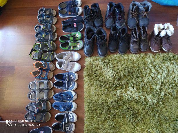 Kapcie, sandały  adidasy