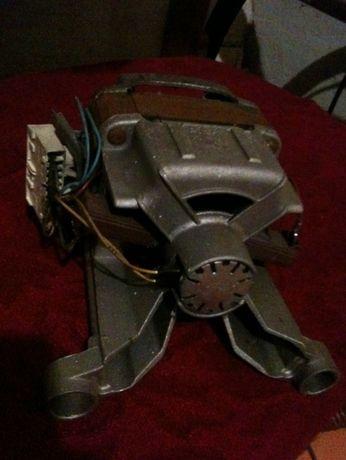 двигатель на стиральную машину whirlpool AWG 908