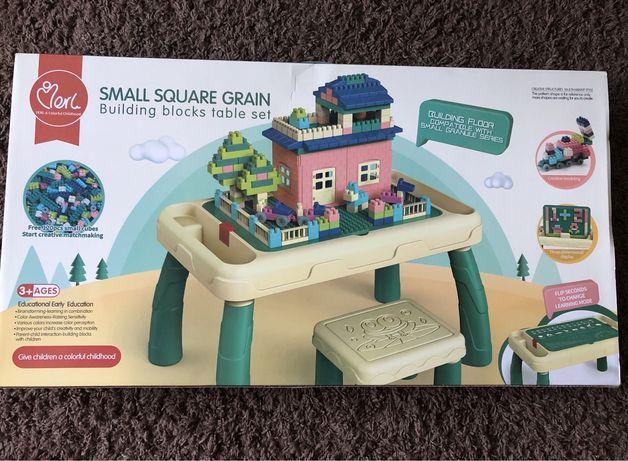 Дитячий столик з конструктором (Новий)