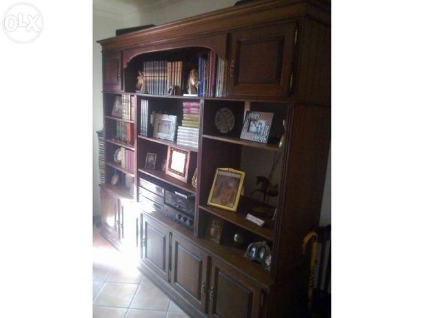 Estante de Livros em Madeira de Carvalho