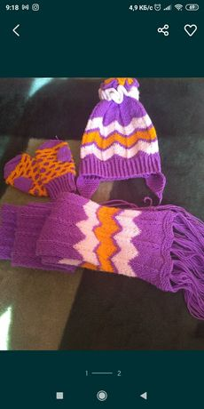 Продам вязаный комплект для девочки шапка шарф рукавички