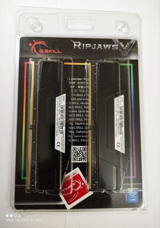 DDR4 32GB (2 x 16GB) G.SKILL Ripjaws V Black F4-3200C14D-32GVK