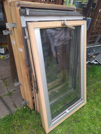 Okno dachowe z roletami wewnętrznymi