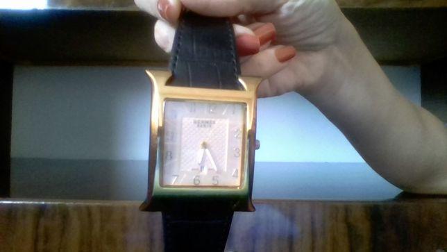 Продам часы наручные женские