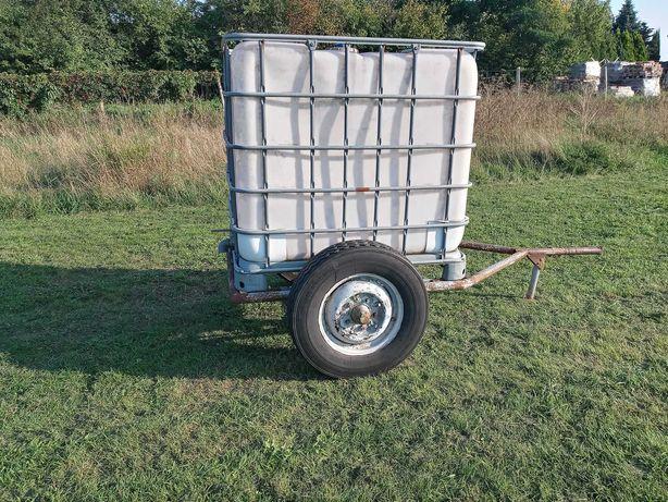 Zestaw dwóch zbiorników na wodę mauzer 1000l - jeden na ramie z kołami