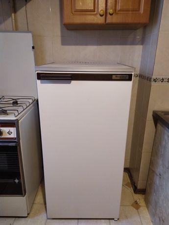 Продам холодильник Днепр 2м