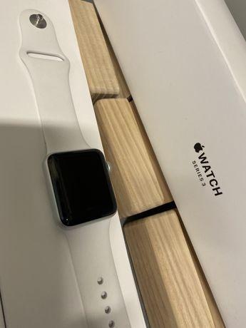 Apple Watch Series 3 38mm  Aluminum Silver На гарантії по 01.07.2021р.