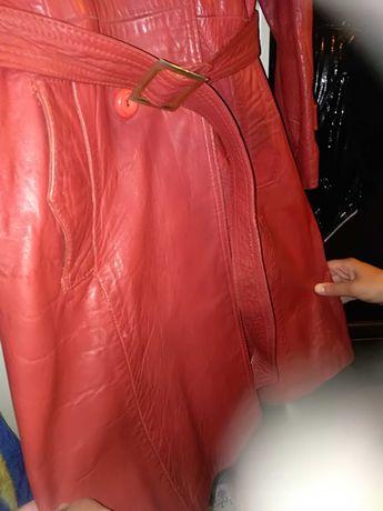Czerwony klasyczny płaszczyk Skóra naturalna RozM Stan Bardzo dobry