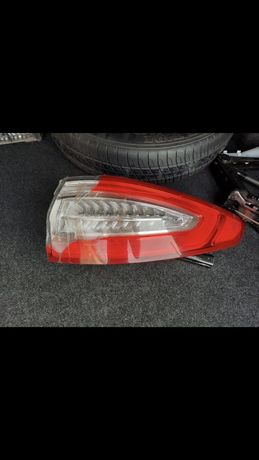 Задний фонарь Ford Fusion