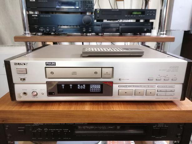 Проигрыватель компакт дисков Sony CDP- X555ES