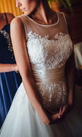 Przepiękna i bardzo efektowna suknia ślubna Sweetheart 6007
