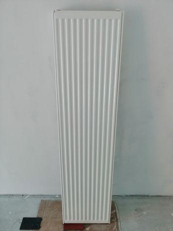 Grzejnik dwuplytowy pionowy Brugman 1600x400 700W