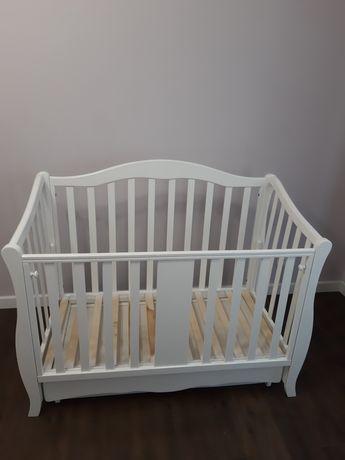 Детская кроватка из натурального дерева. Б/у.