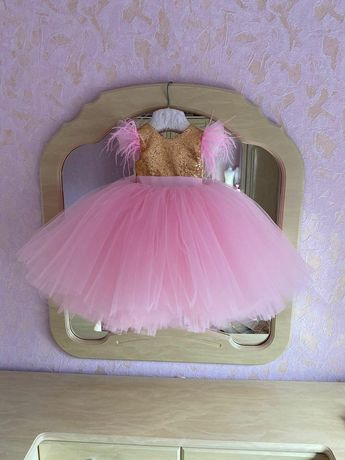 Продається сукня дитяча
