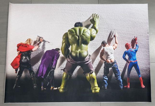 Poster engraçado figuras marvel/ super herois 1,00×0,70