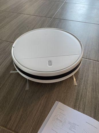 робот пылесос Xiaomi Mi Robot Vacuum-Mop Essential